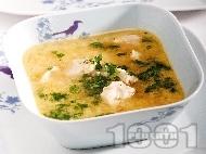 Бистра пилешка супа с овесени ядки, корен от магданоз и целина (без застройка)